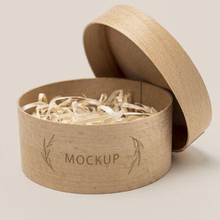 内有碎纸的环保包装?模型