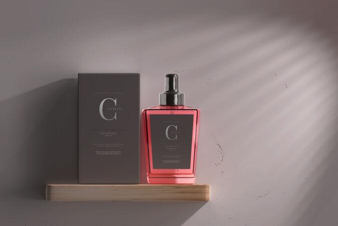香水瓶和盒子模型